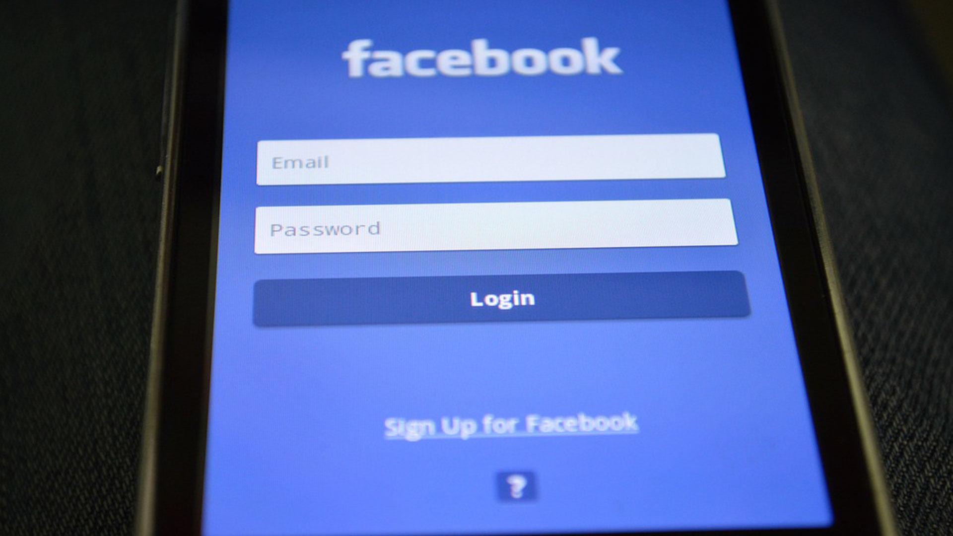 Lo que no debes hacer nunca en las redes sociales