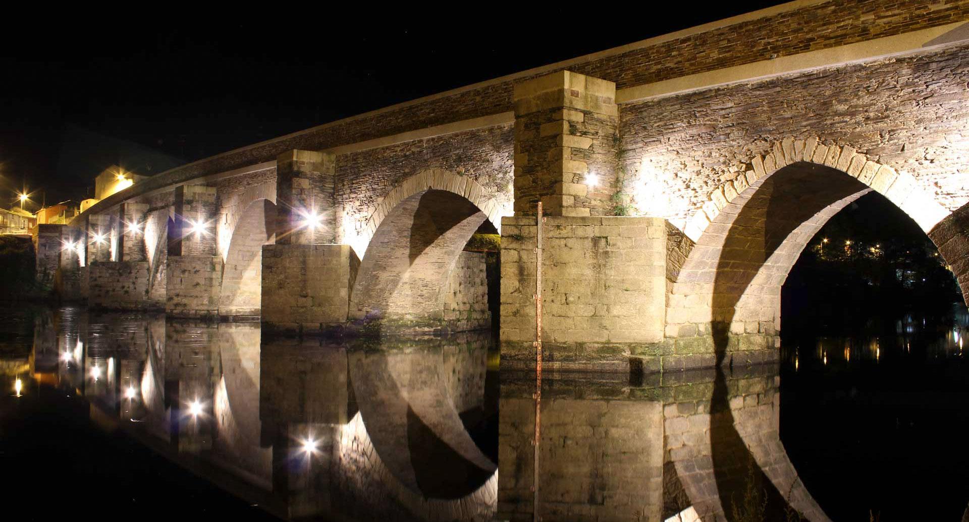 foto de lugo puente romano noche xeral.net